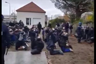 Česká Suverenita důrazně odsuzuje brutální násilí proti francouzským studentům