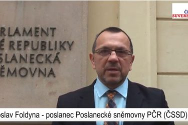 Česká Suverenita uvítala podporu svého kandidáta v doplňovacích volbách od významného poslance ČSSD Jaroslava Foldyny.